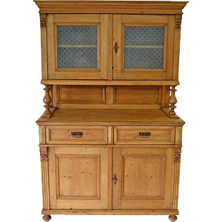 Pine Glazed Buffet