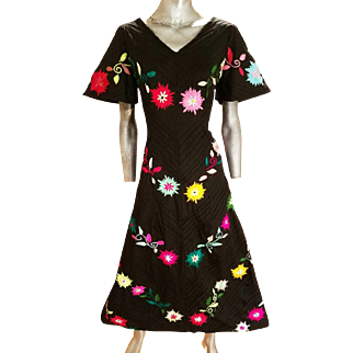 Vintage Mexican rare 1950 Boho chic fully hand embroidered maxi festival dress metal zipper