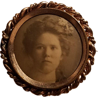 Old Gold Framed Victorian Photo Pin of a Woman