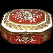 Sevres/Limoges-Very rare, c.1753 VINCENNES Trinket box, pre-Limoges