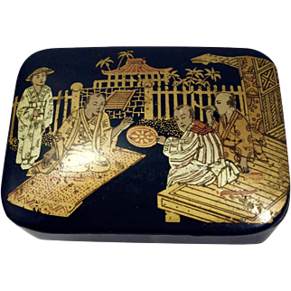 Late 19th Century Chinese Hand Painted Papier-mâché on wood Snuff Box