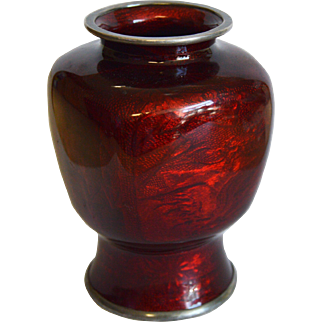 Kumeno Teitari Ginbari Akasuke Vase
