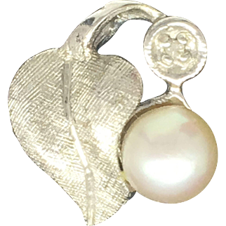 Custom Cultured Pearl Leaf Pendant In 14k White Gold