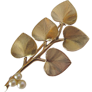 Retro Vintage Pearl & 14K Gold Branch Spray Brooch Pin With Heart Shaped Leaves