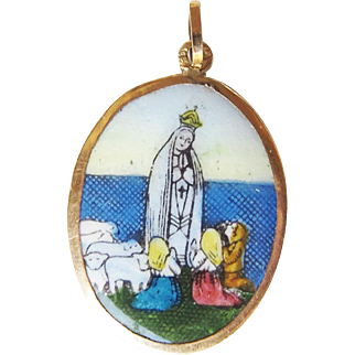 Our Lady of the Holy Rosary Fatima Porcelain Medal 19.2K Gold
