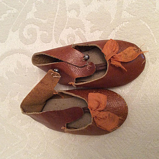 "2 3/4"" Early Brown Leather Doll Shoes"