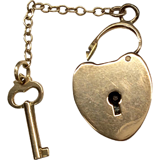 15K Padlock Key Clasp
