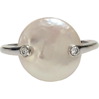Yvel 18K Mother of Pearl Disk Ring