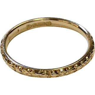 9K Engraved Yellow Gold Band