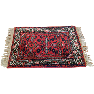 """Vintage Area Rug with Tassels Nice Design and Thick Knap 42"""" by 25.5"""""""