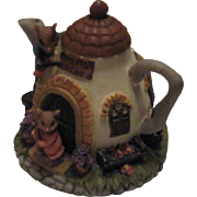 Vintage 1993 Dezine Ltd (Moussy Lodge) Figurine Tea Pot