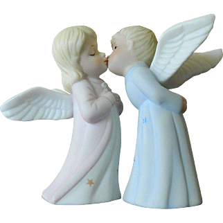 Vintage Lefton Kissing Angels