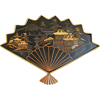 Japanese Amita Damascene Goldtone Fan Pin, Circa 1950s