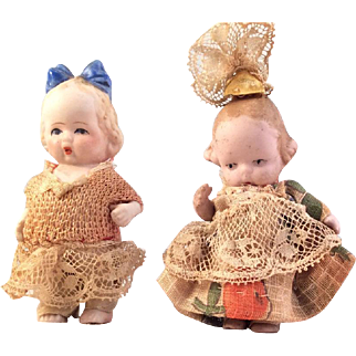 All Bisque Molded bow~Mini Sisters~ Hertwig and Japa
