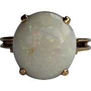 Large Opal Ring, 18Kt YG