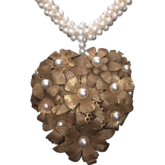 Golden Heart of Flowers Pendant Necklace