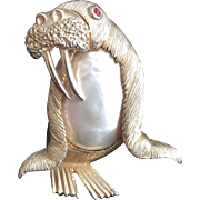 Pearl Belly Walrus Pin