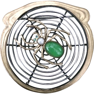 Green Belly Spider Web Pin