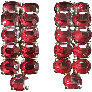 Ruby-red stone Dress Clips