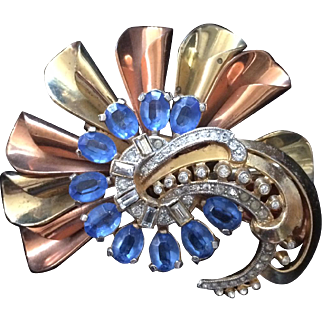 Perfectly Retro 1940's Brooch