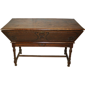 Table Trunk