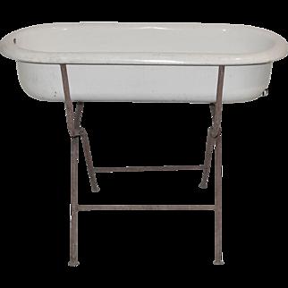 Enamel Bathtub with Stand