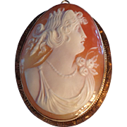 Gorgeous antique 10k gold carved shell cameo pendant or pin large and perfect