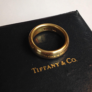 Vintage signed Tiffany & Co 22k gold women's band - size 5