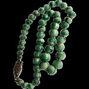 Antique graduated jade beads necklace