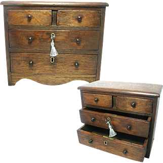 Antique English Miniature Chest of Drawers. Solid Oak Apprentice Piece. Drawer Lock & Key