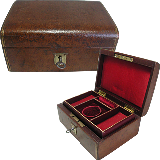 Antique Brown Leather Jewelry Box. Small For Travelling
