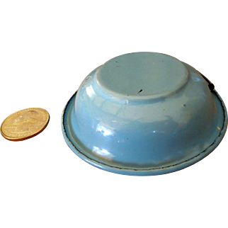 Miniature Graniteware Mixing Bowl - Doll House Robin Egg Blue and White