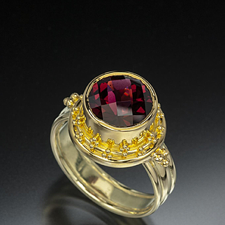 4.71 Ct Pyrope Garnet 18 Karat Gold Ring