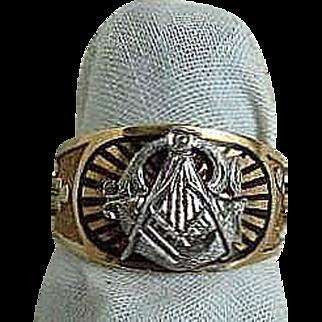 Man's Yellow and White 10K gold Masonic Ring