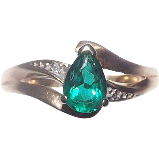Stunning Lab Created Emerald & Diamond in 10 kt Yellow Gold