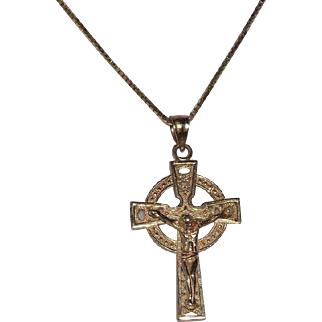 14 Kt Yellow Gold Crucifix & 14 Kt Yellow Gold Chain