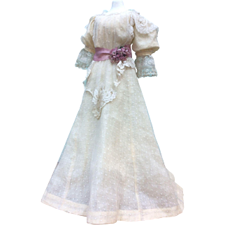 Delightful garden party dress for large fashion doll