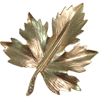 Vintage Gold Plated Maple Leaf Pin