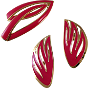 Vintage Trifari Epoxy Pin and Earring Duo