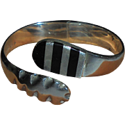 Heavy Mexico Snake Design Sterling Silver & Inlaid Onyx Clamper Cuff Bracelet Signed
