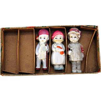 """All  bisque immobiles dolls 3"""" tall made in Japan with original box from circa 1930's"""