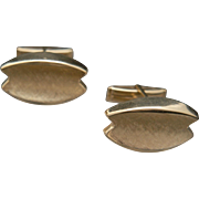Table in front, please – 14k Gold Cuff Links