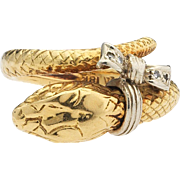 Snake charmer. 18k Diamond Serpent Ring