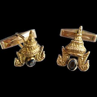 Thai style. 18k Star Sapphire Pagoda Cufflinks