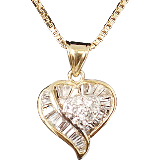 Delicate .94ct VS/SI -G Diamonds solid 14k Gold Heart Shape Pendant Fine Jewelry