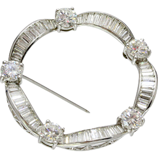 Classic Vintage Diamond and Platinum Circle Scarf Pin Brooch