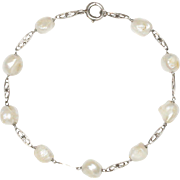 Antique Freshwater Pearl and 18K White Gold Simple Bracelet