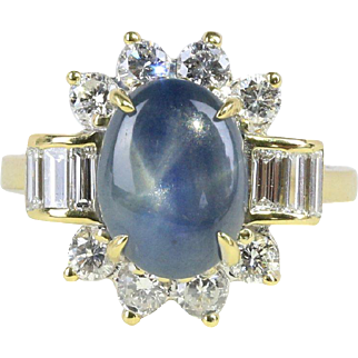 Vintage 3 Carat Star Sapphire and 1 Carat Diamond 18K Gold Cocktail Ring