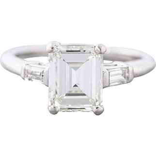 Emerald Cut Diamond in a Platinum Setting with Side Baguettes | Kendall