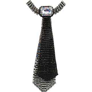 High End Upscale Signed  Maria Ferra Rhinestone Tie Necklace
